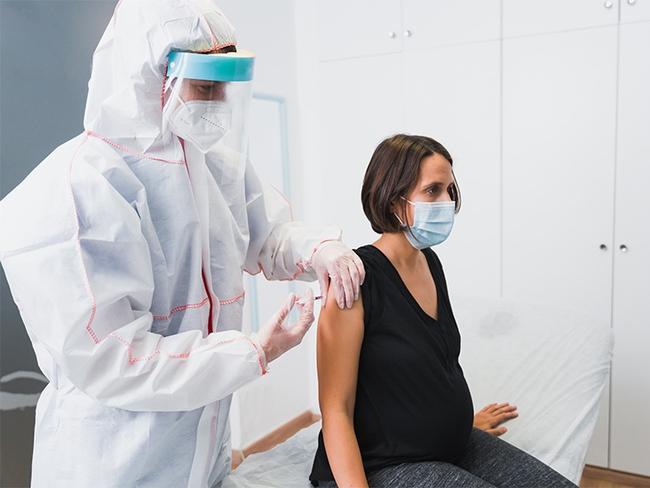 Lo ngại liệu vắc-xin COVID-19 có làm ảnh hưởng đến khả năng sinh sản? - Ảnh 3.