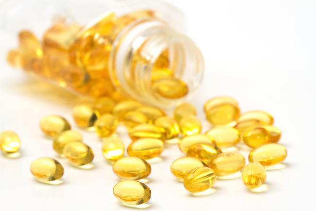 Có nên đắp mặt nạ vitamin E qua đêm không? Tác dụng của vitamin E đối với da như thế nào? - Ảnh 2.