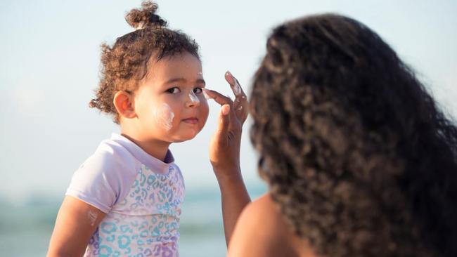 Chăm sóc da cho trẻ mùa hè, phụ huynh cần lưu ý điều gì? - Ảnh 3.