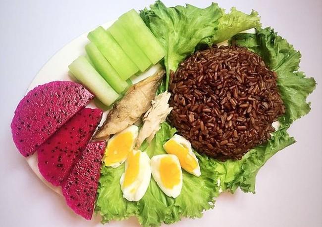 Kinh nghiệm giảm cân bằng gạo lứt: Gợi ý thực đơn giảm cân với gạo lứt an toàn, hiệu quả - Ảnh 3.
