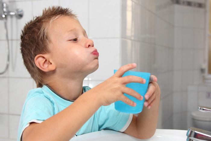Tìm hiểu những biện pháp chăm sóc sức khỏe răng miệng đúng cách - Ảnh 3.