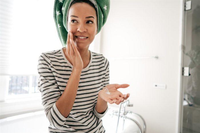 Khuyến cáo và lời khuyên từ chuyên gia khi chăm sóc da mùa lạnh - Ảnh 4.