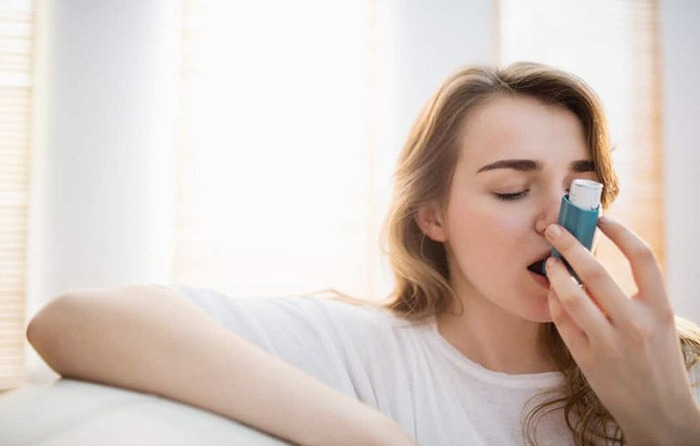 Các loại chất tẩy rửa khử trùng phòng dịch có thể làm khởi phát các cơn hen suyễn, lựa chọn thay thế là gì? - Ảnh 2.