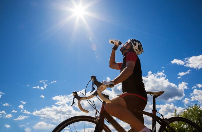 Mắc bệnh cao huyết áp có nên đạp xe không? - Những lưu ý an toàn khi đạp xe với người cao huyết áp - Ảnh 3.