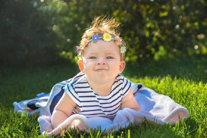 Phơi nắng cho trẻ sơ sinh đúng cách - Ảnh 2.