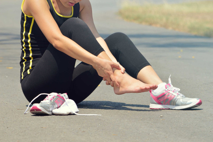 Đau mắt cá chân khi chạy - Nguyên nhân và cách khắc phục - Ảnh 2.
