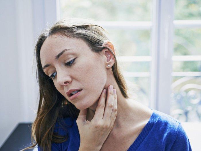 Viêm thanh quản mùa lạnh, cần làm gì khi mắc bệnh viêm thanh quản? - Ảnh 3.