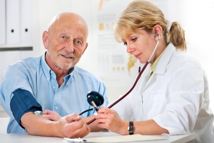 Tìm hiểu chung về huyết áp và nhịp tim của người cao tuổi - Ảnh 3.