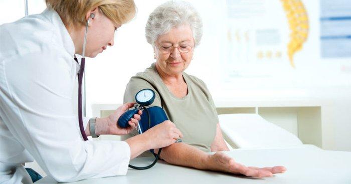 Tìm hiểu chung về huyết áp và nhịp tim của người cao tuổi - Ảnh 4.