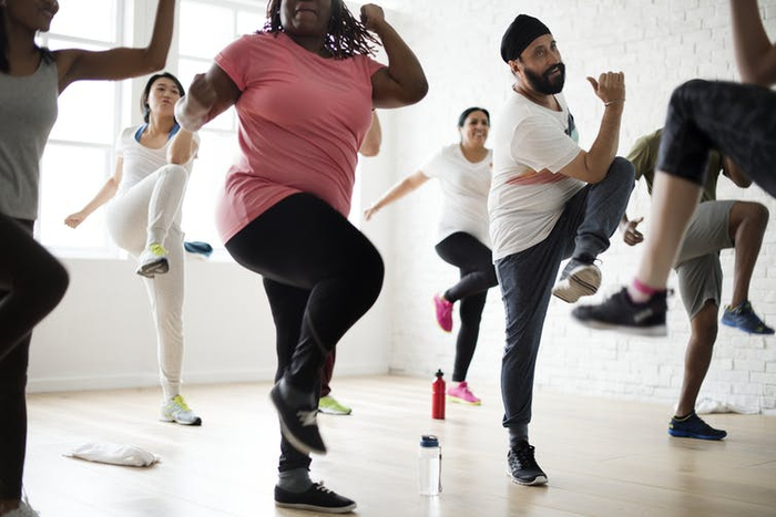 Tại sao có thể đánh giá sức khỏe thông qua khả năng đứng bằng một chân? - Ảnh 1.