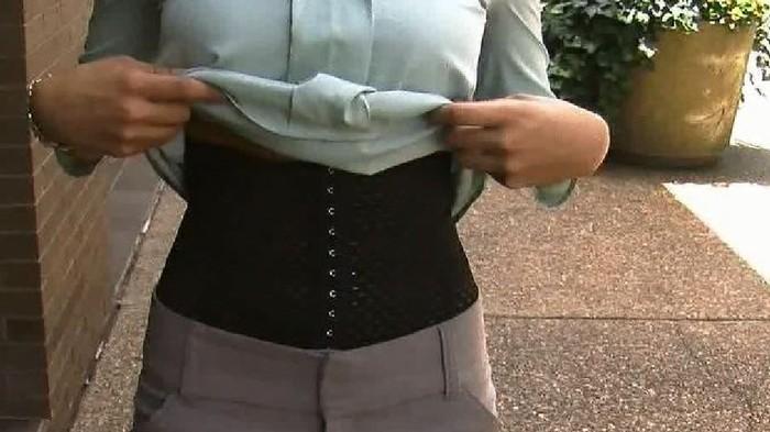 Nhập viện vì mặc váy bó sát, bạn đã biết những tác hại khôn lường của áo nịt bụng - Ảnh 4.