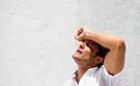 Trời nắng nóng gay gắt, hướng dẫn phân biệt kiệt sức và sốc nhiệt để xử lý đúng cách