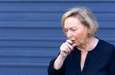 Ai dễ mắc bệnh phổi tắc nghẽn mãn tính? Có phải chỉ người cao tuổi mới bị COPD không?
