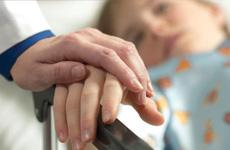Tìm hiểu nguyên nhân cùng mắc ung thư tại sao có người được điều trị khỏi, có người không