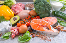 Tránh ăn gì trong mùa COVID-19? Những lựa chọn thực phẩm nào có thể thay thế?