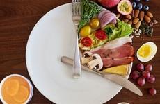 Nghiên cứu mới: Nhịn ăn gián đoạn có thể giúp giảm cân