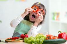 Ăn nhiều rau củ quả giúp tăng cường sức khỏe tâm thần trẻ em