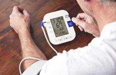 Cách hạ huyết áp ngay lập tức theo lời khuyên của chuyên gia y tế