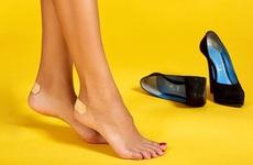 Sai lầm khi chọn giày dép mùa hè có thể ảnh hưởng đến sức khoẻ như thế nào?
