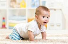 Chăm sóc con nhỏ, mẹ đã biết các giai đoạn phát triển của trẻ chưa?