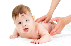 Cách trị nấc cụt cho trẻ sơ sinh mọi phụ huynh nên biết