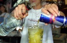 Tác hại của rượu bia kết hợp với nước ngọt và nước tăng lực
