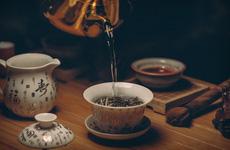 Có cần tránh uống trà nóng để giảm nguy cơ ung thư thực quản hay không?