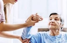 Những lưu ý quan trọng trong việc chăm sóc bệnh nhân tai biến mạch máu não
