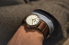 Đồng hồ, trang sức cũng có thể là những nguyên nhân gây bệnh viêm da tiếp xúc