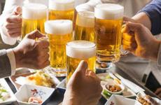 Uống rượu bia nhiều gây vô sinh ở nam giới