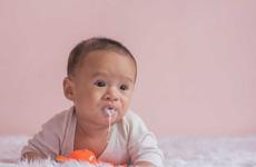 Những dấu hiệu bệnh trào ngược dạ dày ở trẻ cha mẹ nên biết!