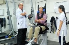 Tổng hợp các bài tập vật lý trị liệu phục hồi chức năng cho bệnh nhân đột quỵ và tai biến