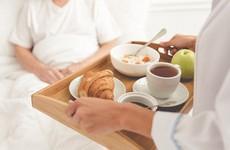 Nguyên tắc ăn uống cho bệnh nhân ung thư thanh quản: Nên ăn như thế nào và tránh thực phẩm gì?