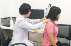 Giảm đau do bệnh cong vẹo cột sống với phương pháp nắn chỉnh bằng tay