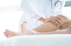Những lưu ý cần nhớ khi chữa bệnh viêm khớp dạng thấp bằng vật lý trị liệu