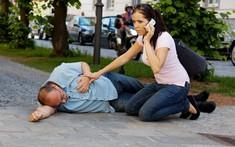Dấu hiệu của bệnh đột quỵ: Cẩn thận với những cơn tăng huyết áp đột ngột