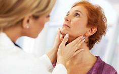 Ung thư vòm họng và viêm họng phân biệt như thế nào?