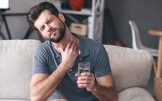 Các phương pháp hỗ trợ bệnh nhân sau điều trị ung thư vòm họng bị đau họng, khó nuốt?