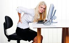 Bị đau lưng do ngồi sai tư thế
