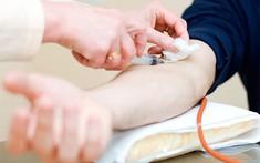 Phát hiện sớm ung thư phổi bằng xét nghiệm máu