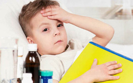 Trẻ bị ốm: Kiêng tắm cho trẻ có cần thiết hay không?
