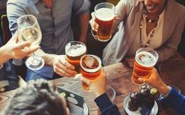 Thói quen khiến giới trẻ bị suy thận: Thức khuya, uống rượu bia, lý do cuối khiến nhiều người bất ngờ