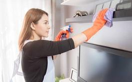 Khử khuẩn nhà cửa để ngăn chặn COVID-19 phát tán, ưu tiên cách lau rửa và sử dụng các dung dịch tẩy rửa sẵn có