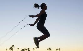Những tác dụng của nhảy dây với sức khỏe thể chất