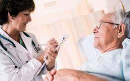 Các bệnh người cao tuổi hay mắc thời điểm giao mùa hè - thu