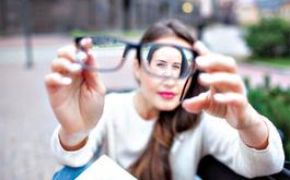 Một số câu hỏi thường gặp về cận thị: Bị cận thị có di truyền không?