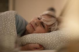 Chăm sóc sức khỏe người cao tuổi vào mùa thu như thế nào là đúng cách?