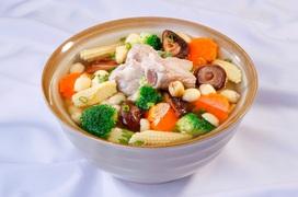 Gợi ý 3 món ăn sáng giúp tăng cường sức đề kháng chống dịch cho người cao tuổi bị bệnh tim mạch