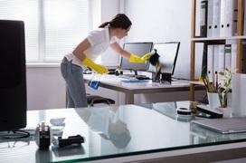 Trở lại văn phòng làm việc, vệ sinh khử khuẩn như thế nào mới đúng cách?