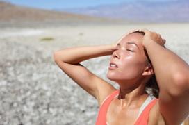 Tai biến, đột quỵ mùa nắng nóng: Ai có nguy cơ cao? Nguyên nhân và cách phòng tránh hiệu quả